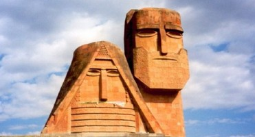 L'UGAB condamne fermement les attaques de l'Azerbaijan dans le Haut-Karabagh et appelle les gouvernements européens à faire de même.